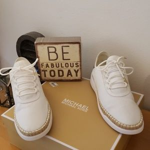 TODAY ONLY DEAL MICHAEL KORS SHOES